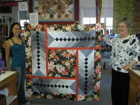 Carol Lee, Lianna and a great quilt